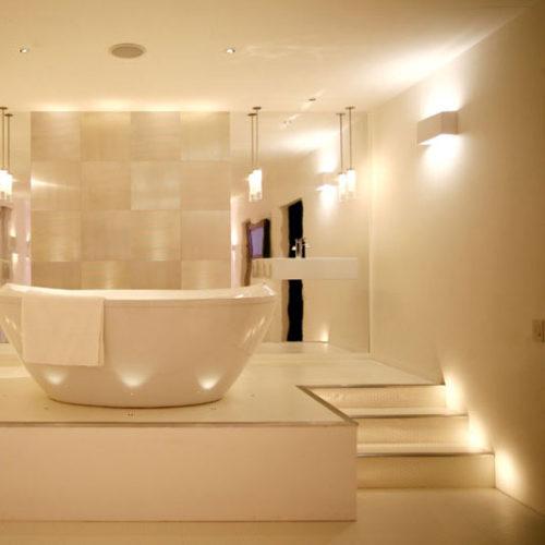recessed-lighting-wall-sconces-pendants-step-lighting-up-lighting
